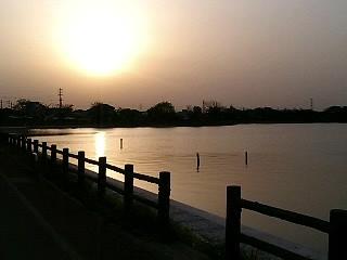 砂沼の夕暮れ(5月)